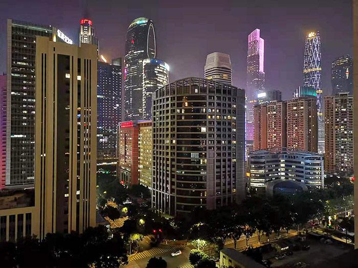 广州酒店外的夜景