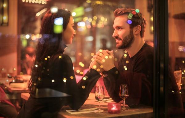 怎么样让情侣感情迅速升温