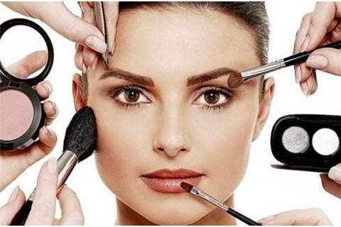 女生化妆的正确步骤
